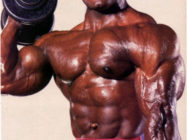 costruisci muscoli o perdi grasso prima